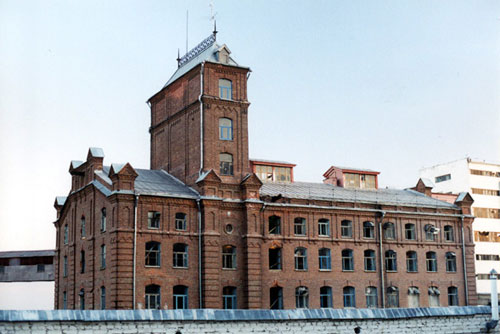Former Borell mill in Saratov. Built in the 1880s, it continues to be used - contemporary views of this complex are available on the blog of Denis Zhabkin.
