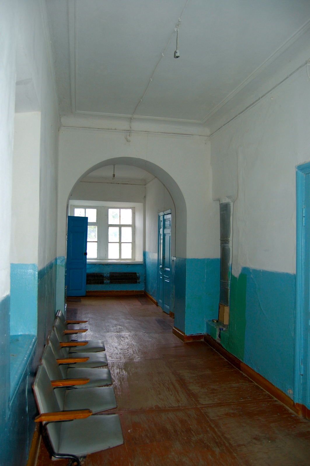 Interior of the Grimm Central School. Courtesy of Steve Schreiber (2006).